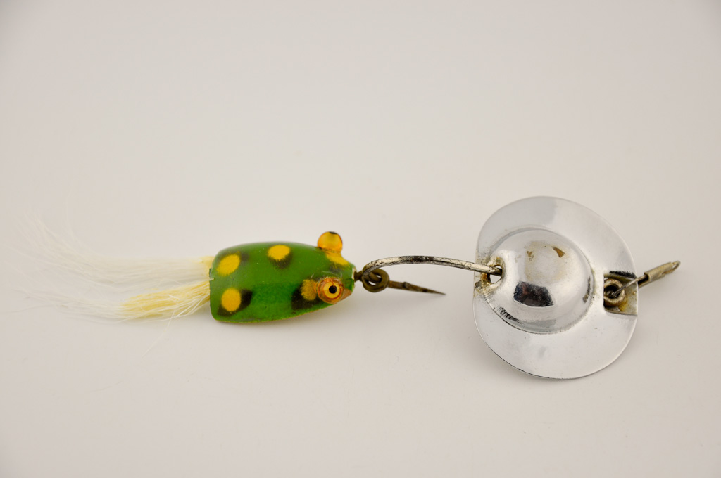 Al Foss Bass Pop Lure Frog Trailer